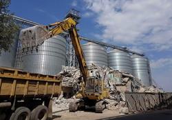В Одесском порту снесли бывший транспортный цех судоремонтного завода (ФОТО)
