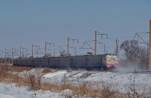 """""""Укрзализныця"""" планирует сократить пассажирские перевозки"""