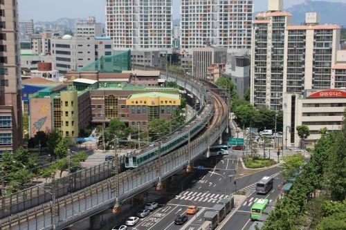В Сеуле открыли первую линию беспилотного метро Ui 2