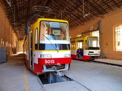 Одесские трамваи теперь строят не в грязном цеху, а лофт-галерее (ФОТО)