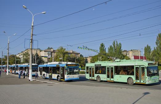 В Мариуполе вышли на маршруты новые троллейбусы, купленные Донецкой ОГА