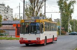 На улицах Одессы предлагают сузить ширину полос движения на улицах