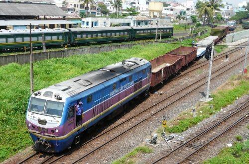 Железные дороги Вьетнама закупают новый подвижной состав