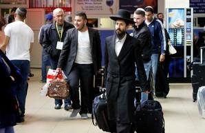 Одесский аэропорт принимает хасидов-паломников в новом терминале