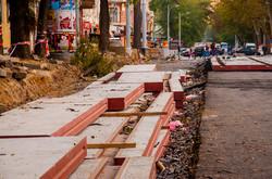 Реконструкция Преображенской: рельсы кладут на перекрестке с Дерибасовской (ФОТО)