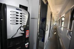 Крюковский завод поставил железной дороге партию новых пассажирских вагонов (ФОТО)