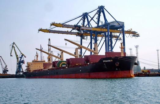 Порты Большой Одессы обрабатывают почти две трети всего морского грузопотока Украины