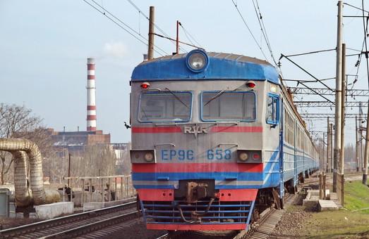 Пассажирские поезда хотят разделить на три класса
