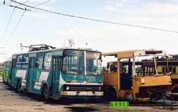 Руставі. Залишки тролейбусів у депо. 2011 рік.