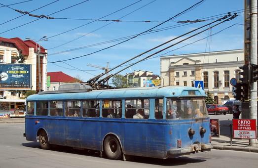 """Жители Тернополя предлагают восстановить ретро-троллейбус """"Шкода"""""""