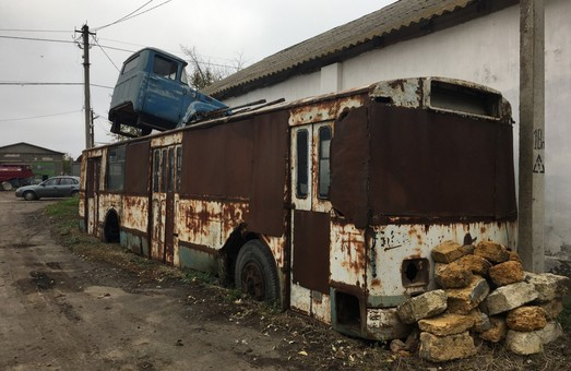 В маленьком райцентре Одесской области обнаружен троллейбус (ФОТОФАКТ)