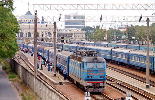 Значительная часть новых пассажирских поездов пойдет из Одессы