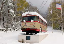 Фото дня: горную трассу троллейбуса в оккупированном Крыму завалило снегом