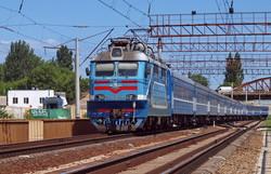 Электровоз ВЛ40 - разделенный на два самостоятельных локомотива старый двухсекционный ВЛ80