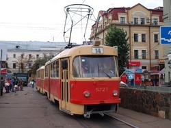 В центре Киева реконструируют трамвайную линию на Контрактовой площади