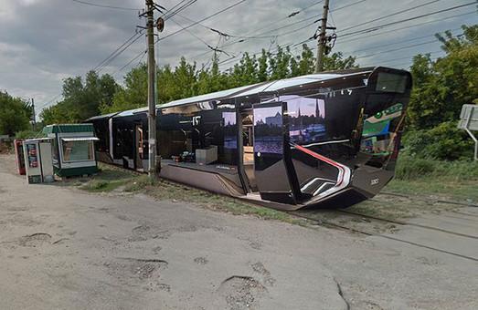 Зачем россиянам трамвай будущего R1? Телега же дешевле!