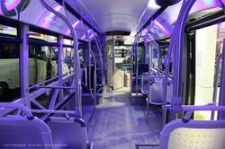 Автобус Heiliez Linum (GX 337, электробус). Фирма HeuliezBus специализируется на постройке автобусов на шасси Iveco, частично использует их панели кузова. Главная фишка — яркий индивидуальный дизайн, мода на который есть во многих французских городах. Салон автобуса изобилует различными подсветками, поручни причудливой формы.