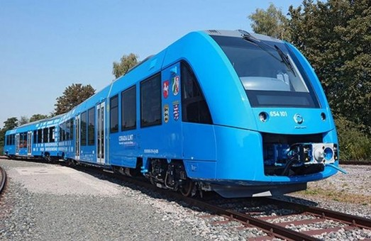 В Германии запустили первый пассажирский поезд на водородном топливе