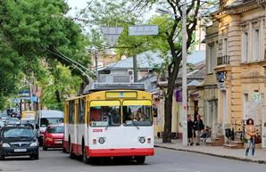 "Суд решил, кто будет перевозчиком на автобусе - ""дублере"" одесского троллейбуса №9"