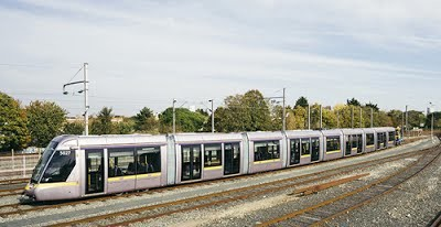 В Ирландию начались поставки девятисекционных трамваев Alstom