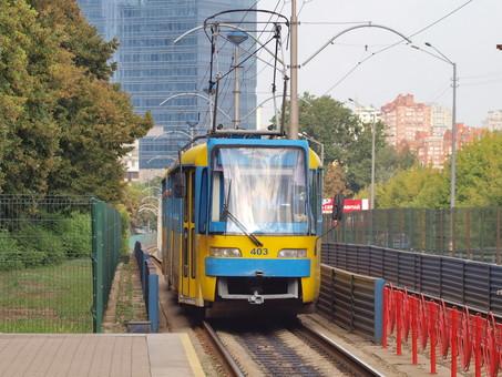 В Киеве продолжается реконструкция линии скоростного трамвая на Борщаговку