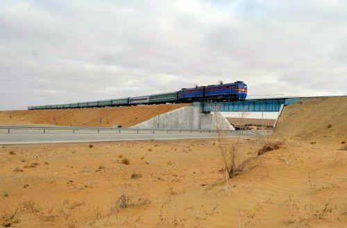 В Узбекистане построили новую железную дорогу
