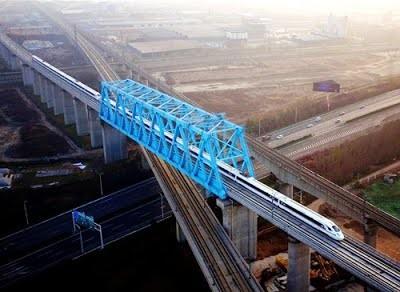 В Китае введена в эксплуатацию высокоскоростная железная дорога Сиань — Чэнду