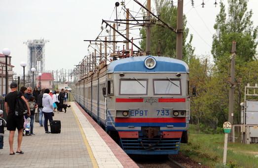 Одесская железная дорога взялась продавать билеты на автобусы