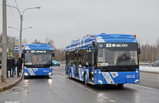 В Санкт-Петербурге вышли на маршрут первые троллейбусы с увеличенным автономным ходом от аккумуляторов