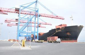 Пять тысяч контейнеров за один раз: рекорд в Одесском порту