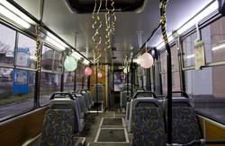 Во всем мире городской электротранспорт украшают к Новому году и Рождеству (ФОТО)