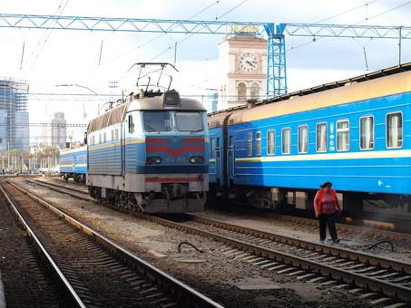 """На 2018 год """"Укрзализныця"""" планирует купить три десятка пассажирских """"трансформеров"""""""