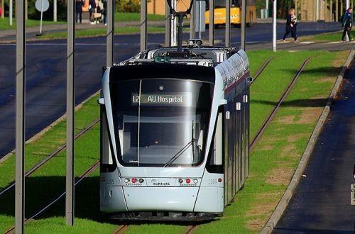 В Орхусе запустили пригородную железную дорогу с трамвайным подвижным составом