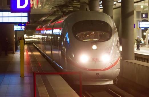 """В Испании пройдут испытания первого в мире """"газового"""" поезда"""