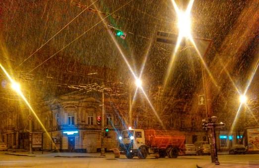 Дороги Одесской области расчищены, ждут еще снега