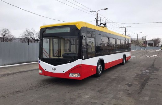 В Одессу привезли второй белорусский троллейбус (ФОТО)