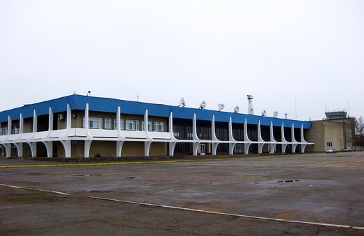 Открытие аэропорта Николаев отложили до мая