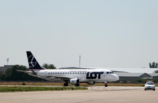 2019: министр назвал дату окончания строительства новой взлетной полосы Одесского аэропорта