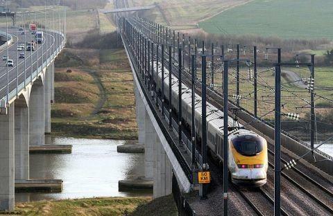 Британские инженеры предлагают питать поезда солнечной энергией