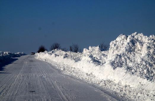 Дороги Одесской области во время снегопада пока свободны
