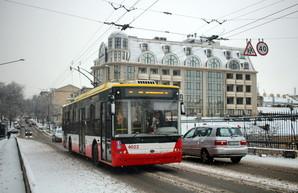 Общественный транспорт Одессы в непогоду работает нормально