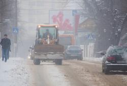 Как одесский транспорт борется со снежной стихией (ФОТО)