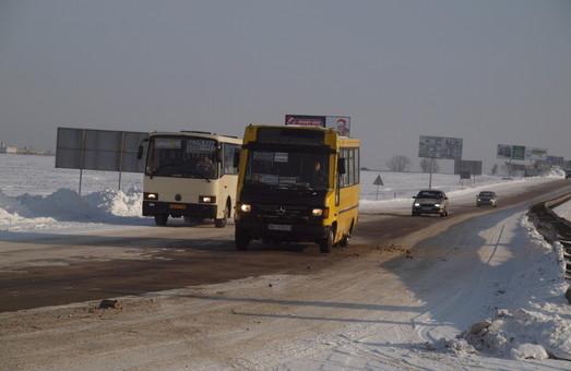 Снегопад стал причиной отмены междугородних автобусных рейсов из Одессы
