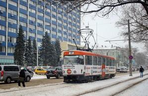 После сильного снегопада одесский электротранспорт работает