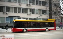 Фото дня: одесский транспорт во время и после метели