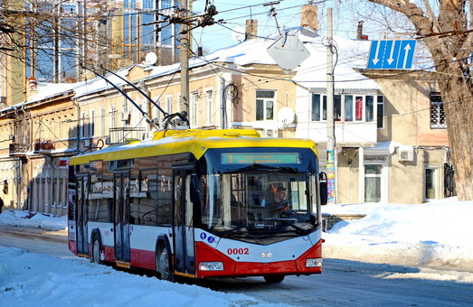 Как в Одессу закупали троллейбусы за 28 лет (инфографика)