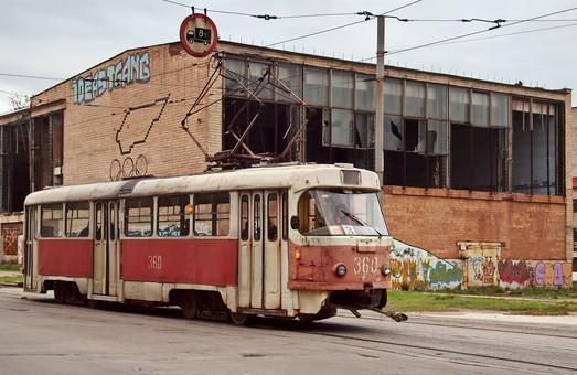 В Запорожье сокращается объем пассажирских перевозок электротранспортом