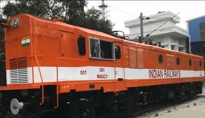 Железные дороги Индии начали переоборудование тепловозы в электровозы
