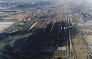 В новом стамбульском аэропорту построили первую взлетную полосу