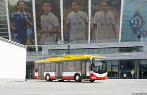 Одесский троллейбус белорусского производства презентовали на международной выставке городского транспорта в Киеве